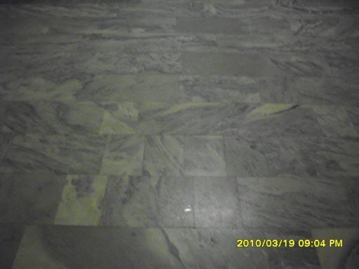 Очистка и полировка мраморного пола алмазными падами Твистер